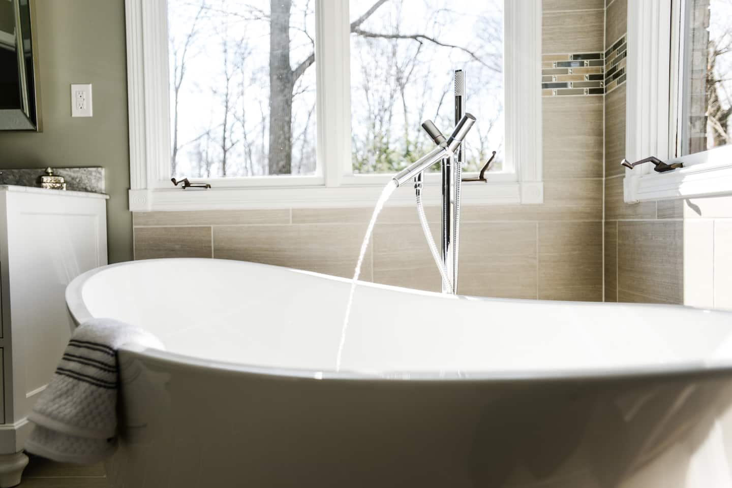 How Much Does Bathtub Replacement Cost Angie S List