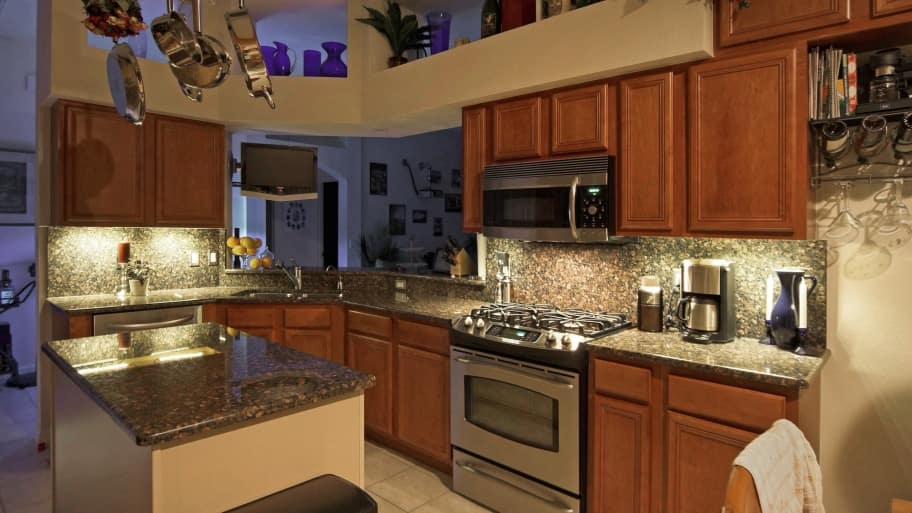 Are LEDs A Good Option For Kitchen Cabinet Lighting