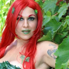 Goddess Jules Cosplay – Poison Ivy