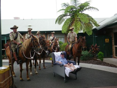 It was a magical moment on Remembrance Day and Anzac Day when former 5th Light Horse Regiment Maleny Troop Quartermaster Bob Allen was reunited with a horse called Benny'. Bob passed away in January 2014.