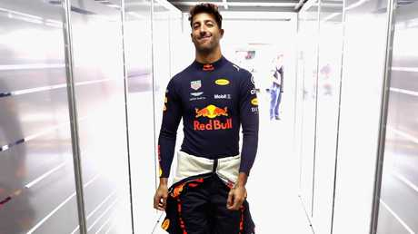 Daniel Ricciardo goes into the garage while training for the Brazilian Grand Prix. Image: Getty Images