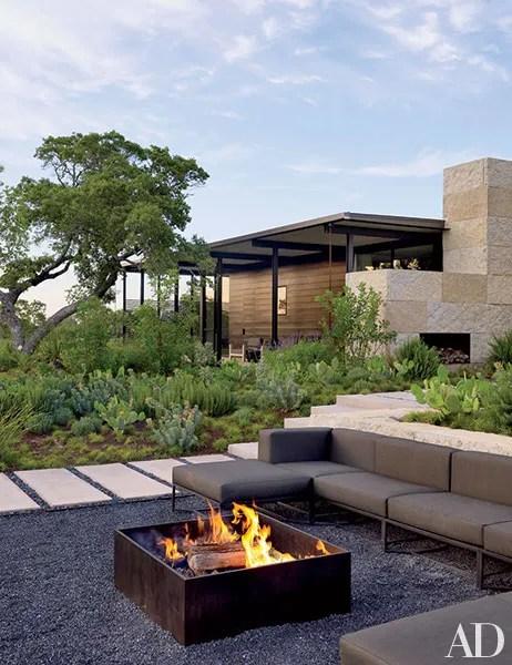 32 Patio Ideas: Outdoor Seating Ideas for Backyards ... on Garden Entertainment Area Ideas id=66361