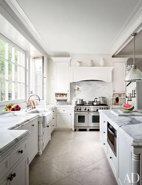 19 Inspiring Farmhouse Kitchen Sink Ideas Photos ... on Farmhouse Kitchen Sink Ideas  id=44486