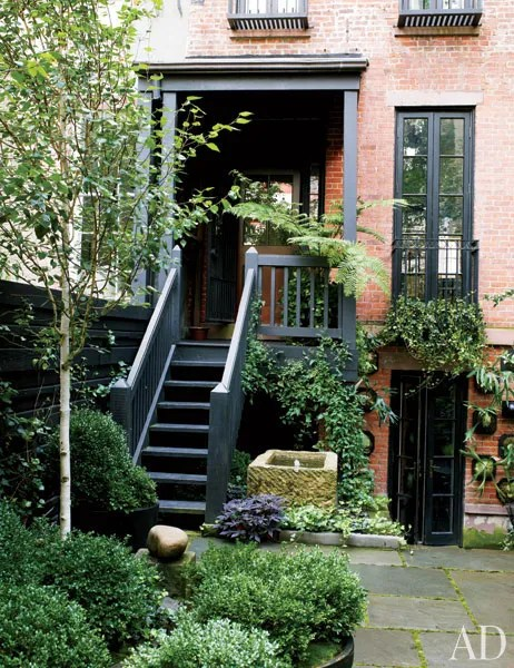 13 Urban Garden Ideas for Small Spaces Photos ... on Small Urban Patio Ideas id=58240