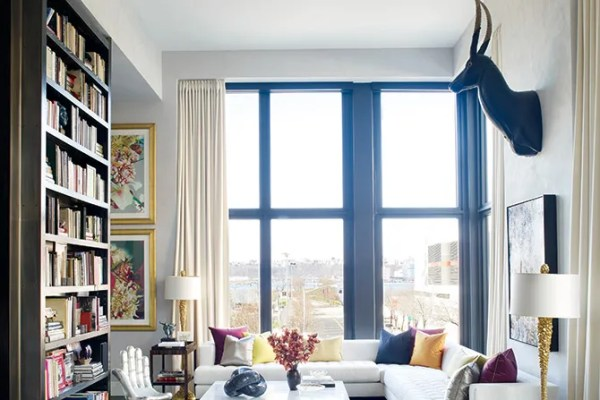 25 Light-Flooded Rooms with Floor-to-Ceiling Windows ...