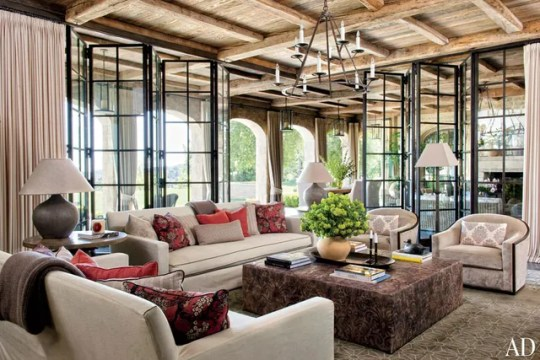 Celebrity homes - Family Room