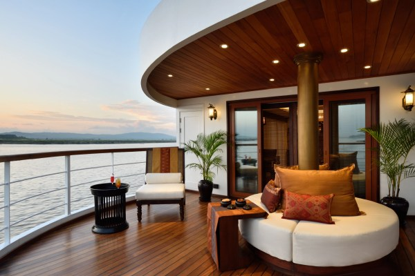the luxury travel company home facebook - HD 7360×4912