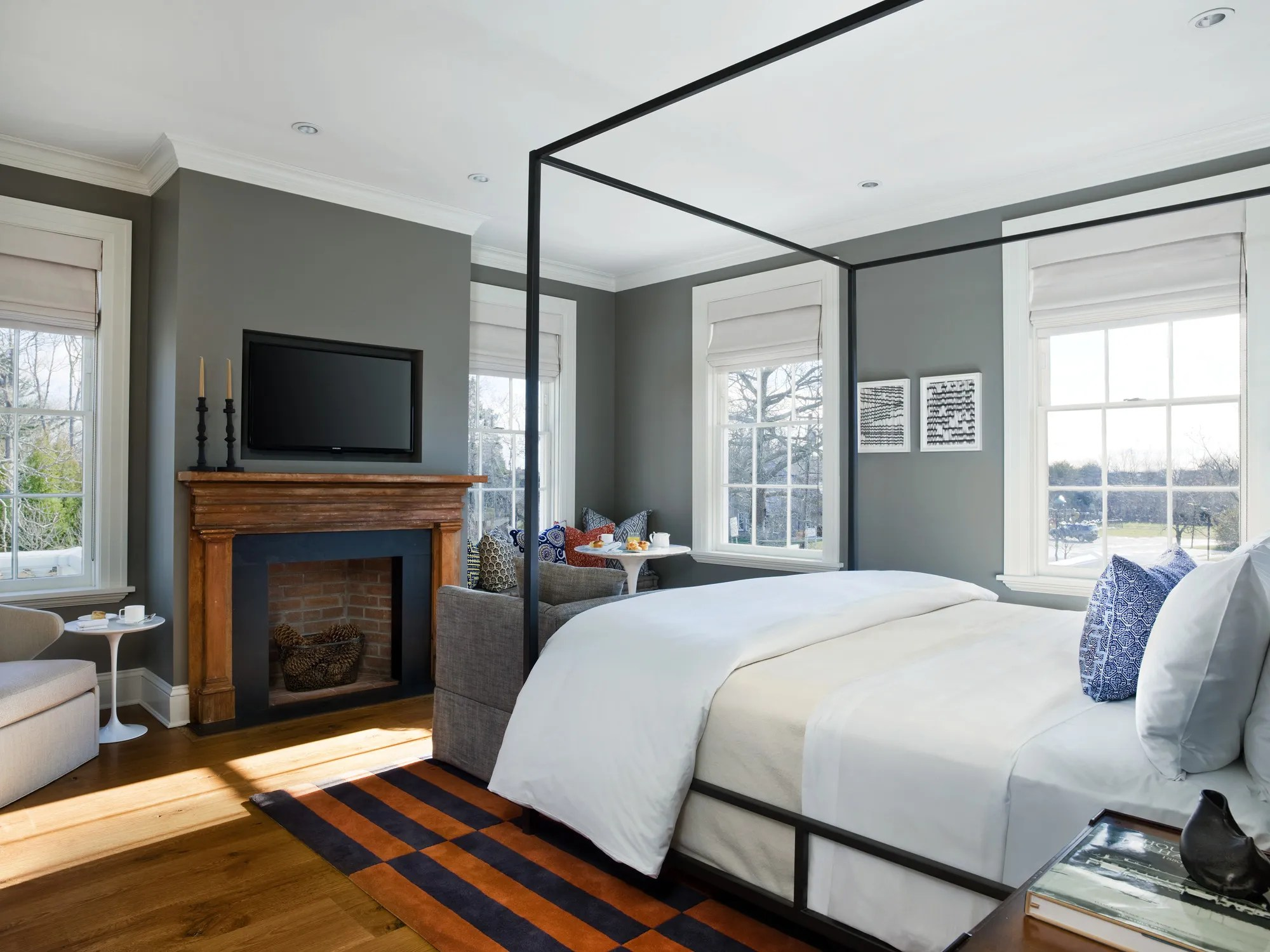 Decorating Ideas for a Welcoming Guest Room ... on Room Decor Photos  id=40401