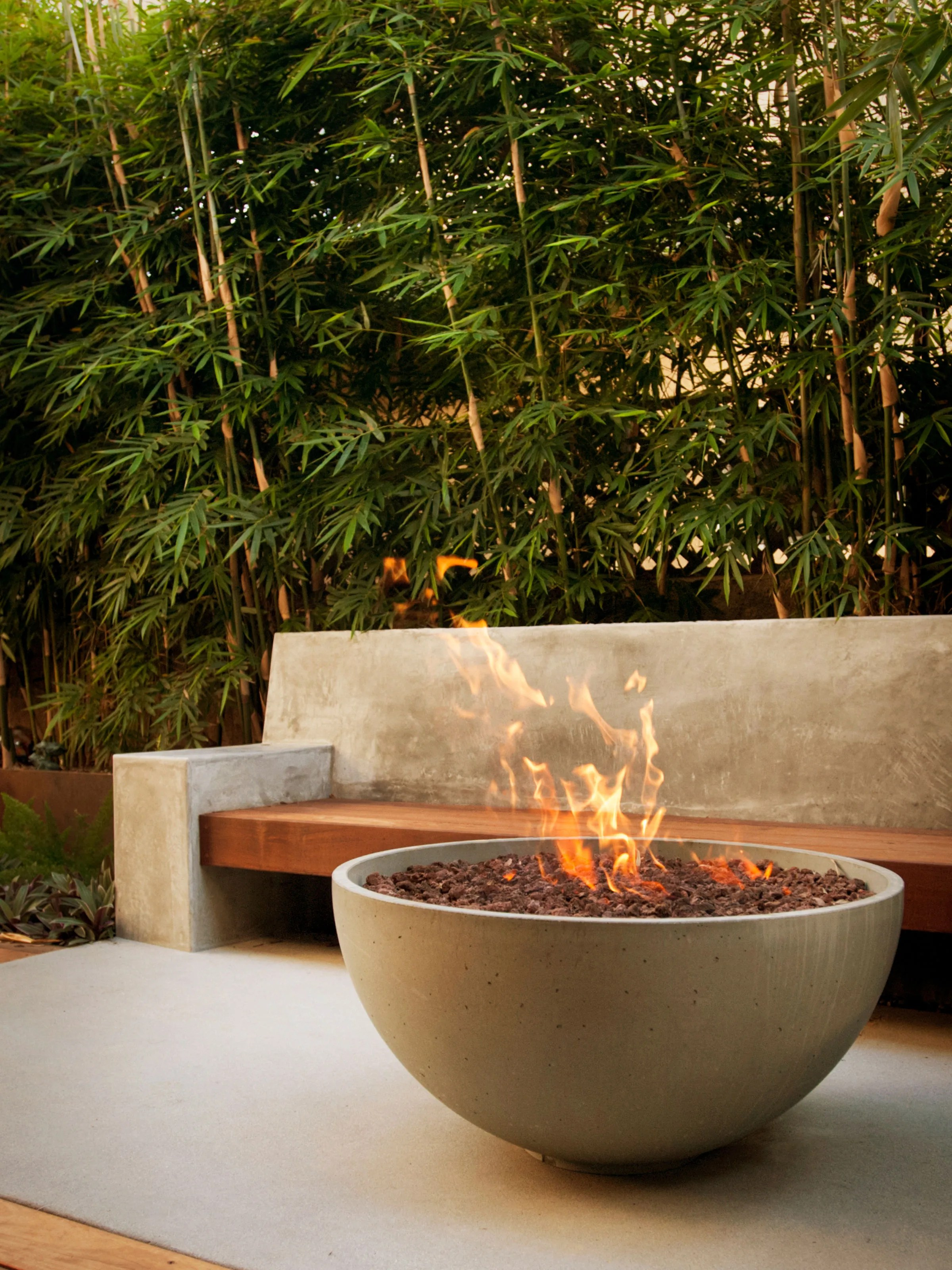 6 fire pit ideas for your outdoor space