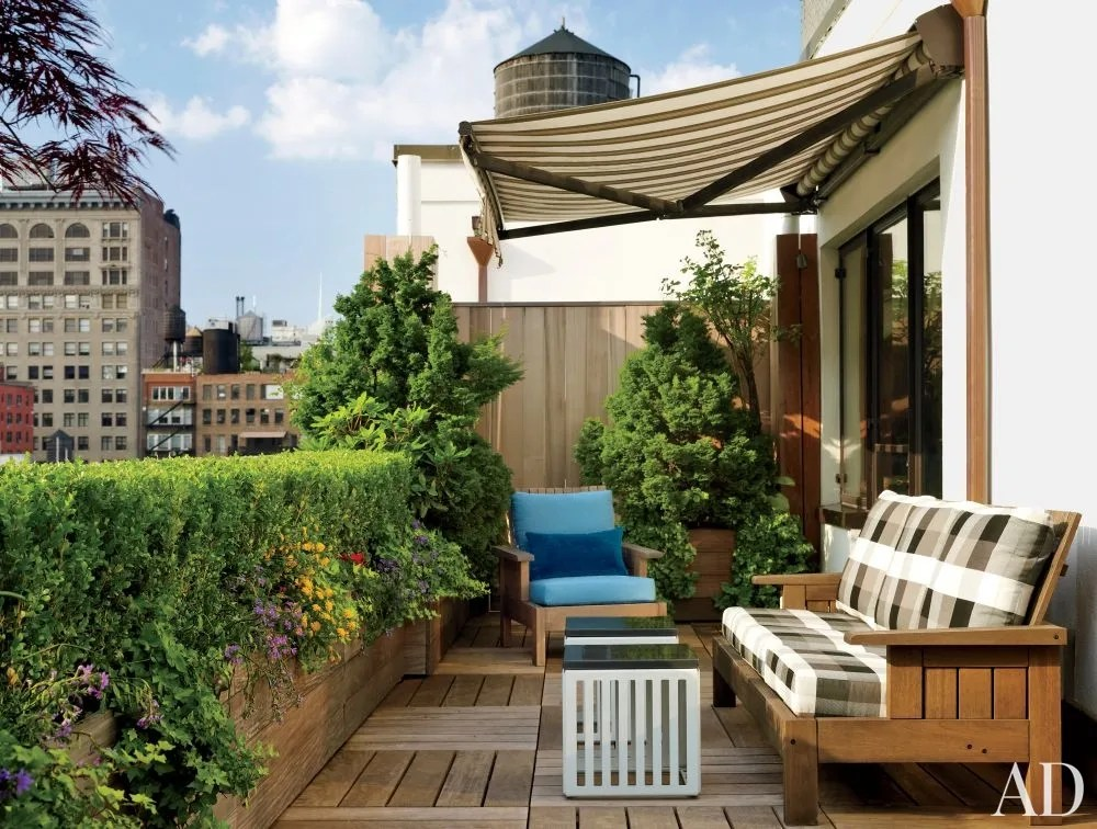 These Small Patio Ideas Will Maximize Every Last Inch of ... on Apartment Backyard Patio Ideas  id=90188