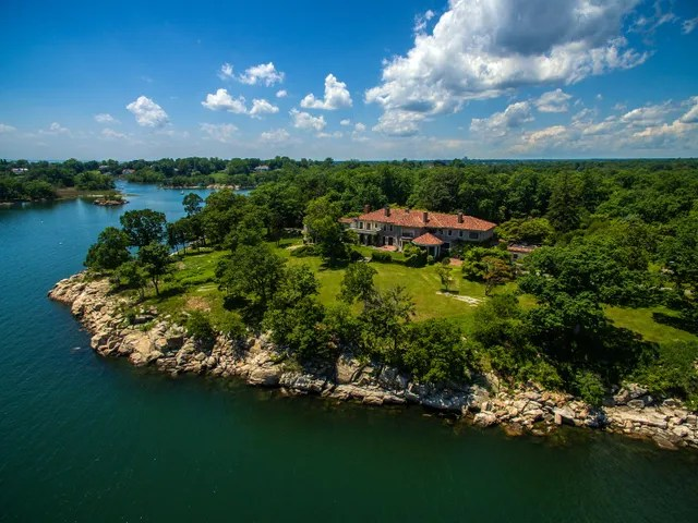 Location: Darien, ConnecticutBuilt: 2016Price: $175,000,000Bed/Baths: 10 bedrooms, 9 bathroomsSq. Footage: 13,107Lot Size: 63 acres