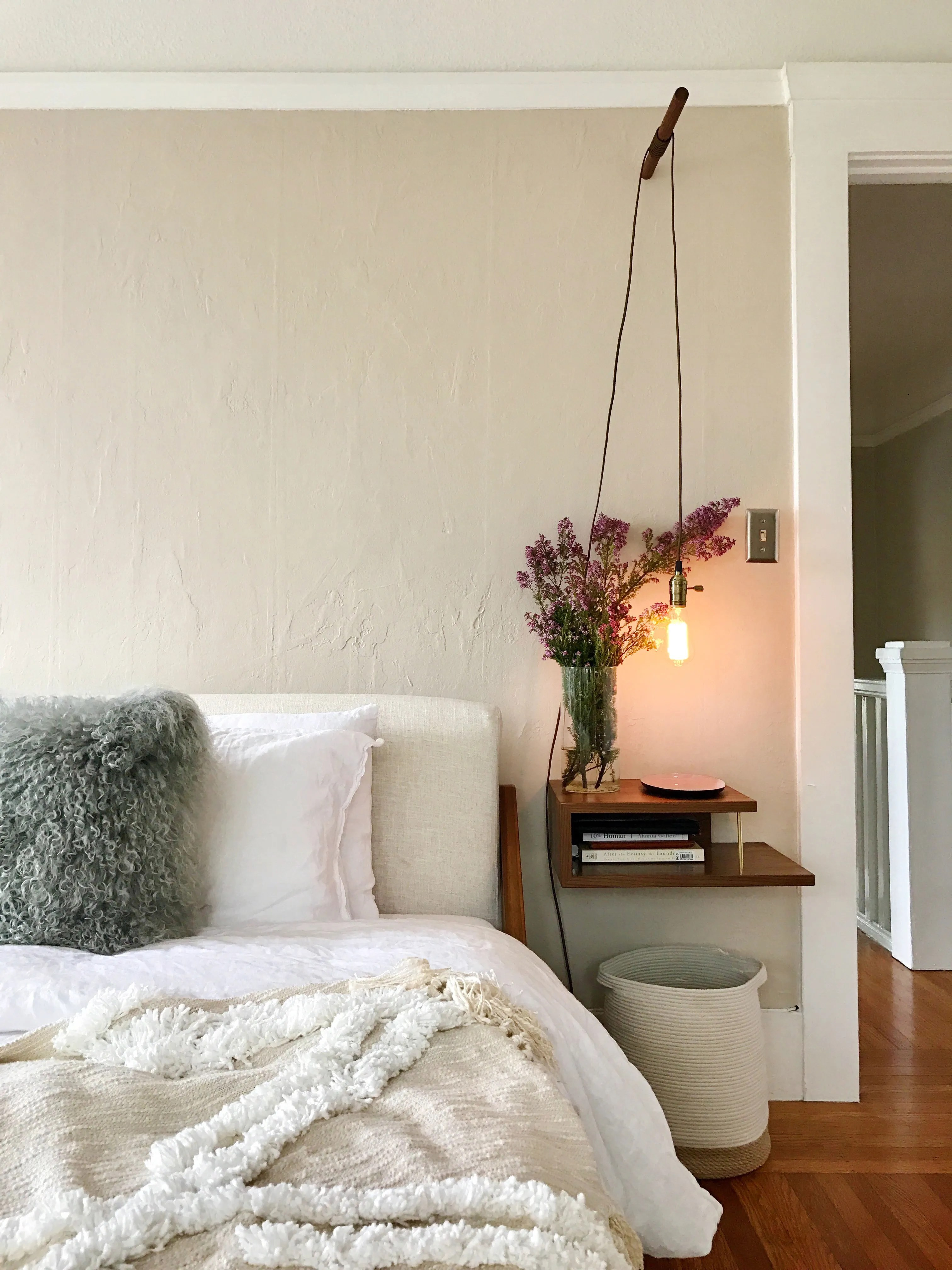 The Small-Nightstand Hack That Requires Zero Floor Space ... on Teenage:rfnoincytf8= Room Designs  id=87997