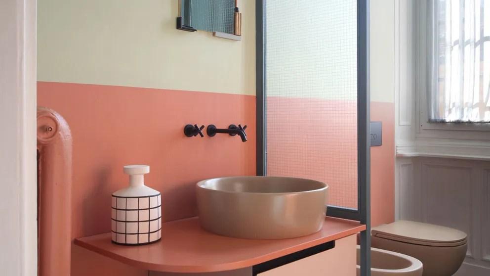 33 Small Bathroom Ideas to Make Your Bathroom Feel Bigger ... on Small:e_D8Ihxdoce= Bathroom Ideas  id=66182