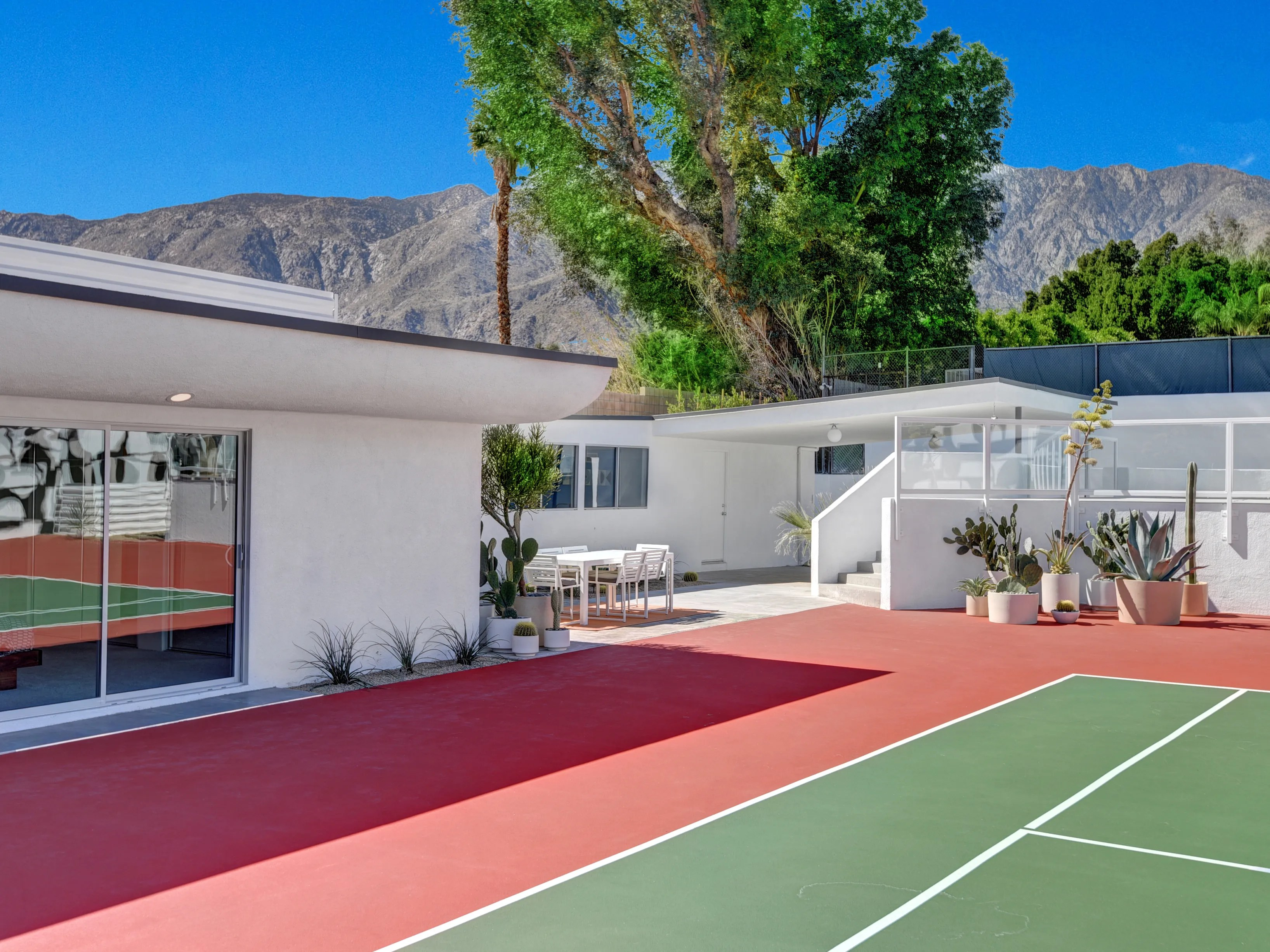 Is The Real Estate Industry Saving Palm Springs S Midcentury