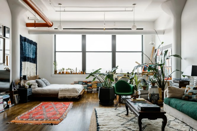 Loft Apartment With Bedroom Area Living And Artist S Studio