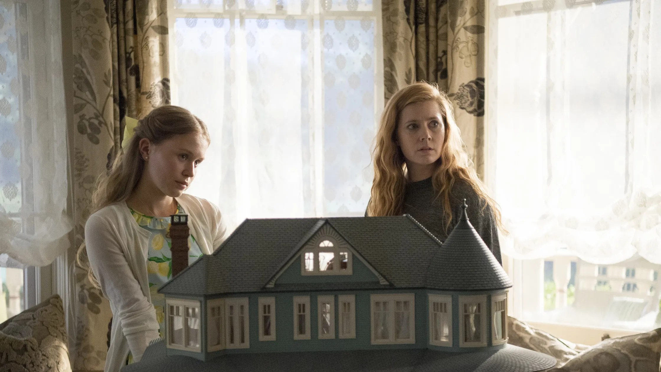 Here S How Sharp Objects Production Designer Created The