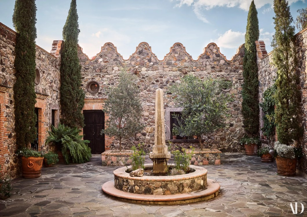 A fountain centers one of the houses several courtyards.