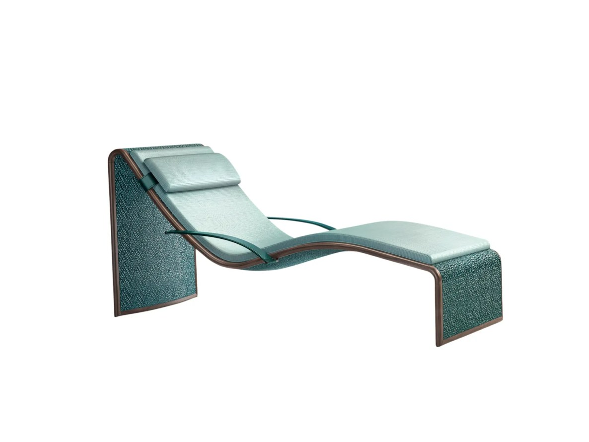 a green lounge chair