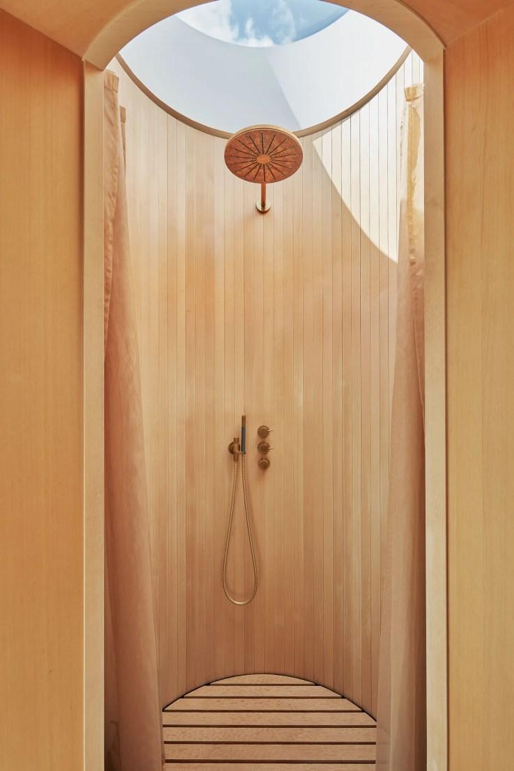 L'image peut contenir des meubles d'intérieur et de salle de bain