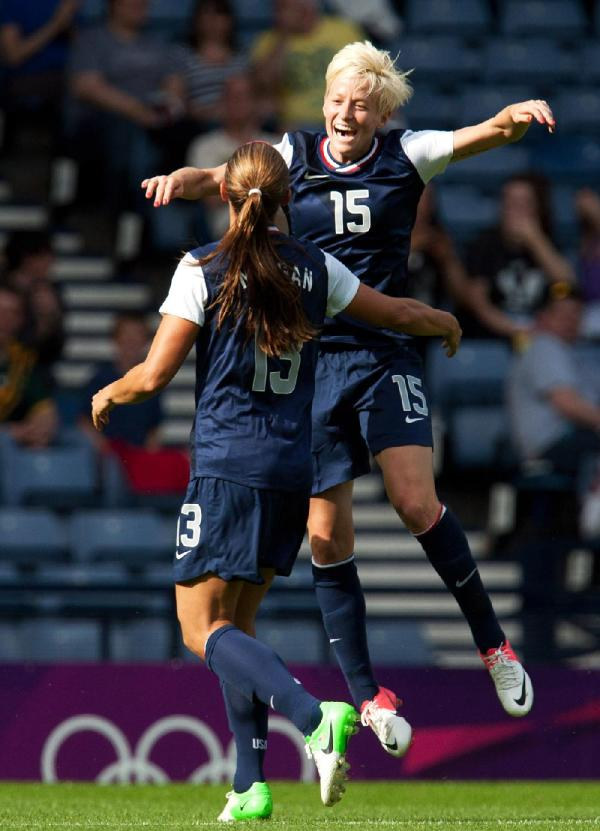 Megan Rapinoe (15) and Alex Morgan celebrate after Morgan ...