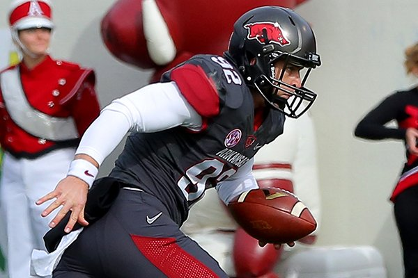 arkansas-sam-irwin-hill-runs-for-a-4-yard-loss-in-a-fake-punt-attempt-in-the-second-quarter-of-a-game-saturday-at-war-memorial-stadium-in-little-rock