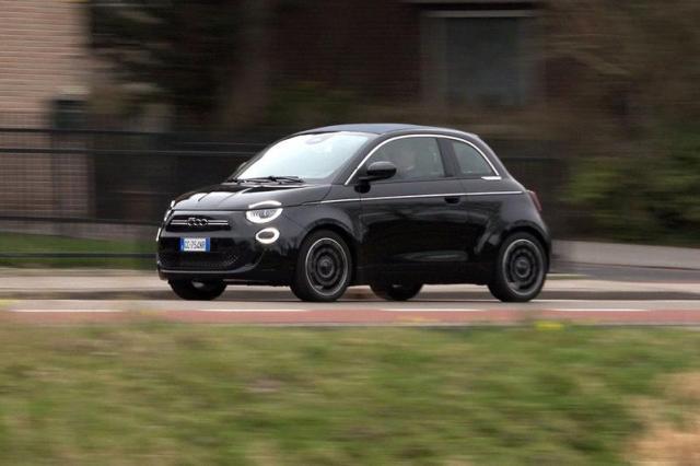 Fiat 500e - Achteruitkijkspiegel