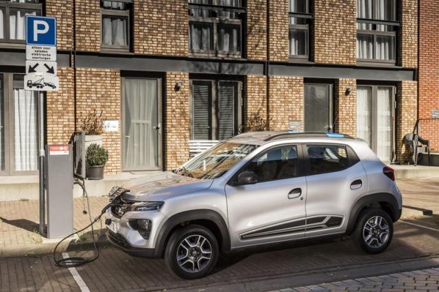 'Welke nieuwe auto had minder dan 44 pk?'- AutoWeek Podcast