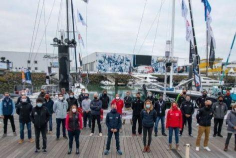 Les 33 concurrents de l'édition 2020 du Vendée Globe pour la photo de groupe, avant le départ de la course