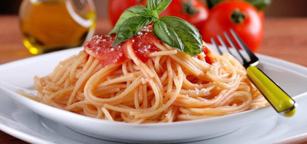 recept, recept för barn, barnrecept, pasta pomodoro, tomatsås, färska tomater, pastarecept, pasta, italiensk mat, laga mat med barn