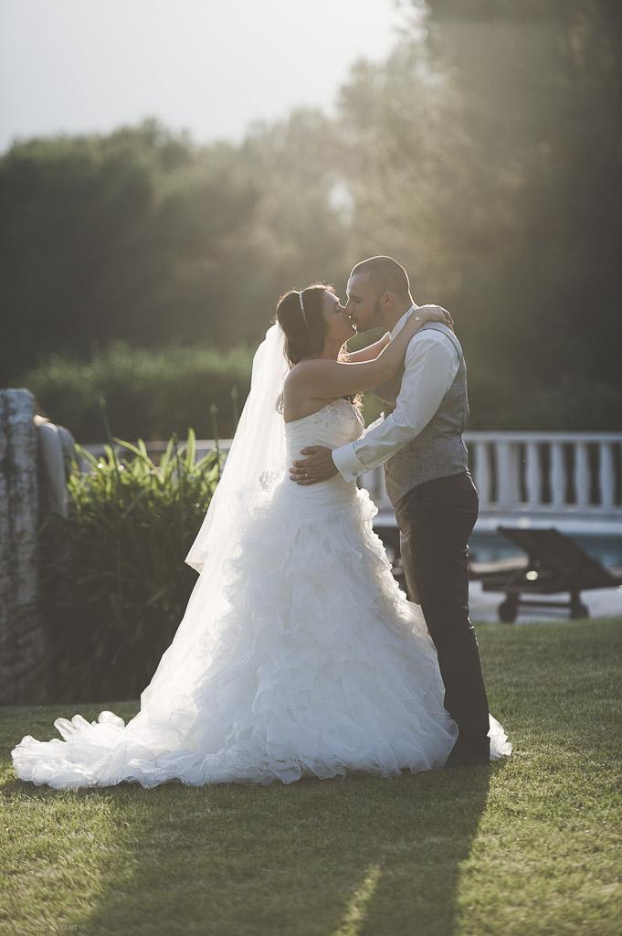Coucher de soleil sur les mariés
