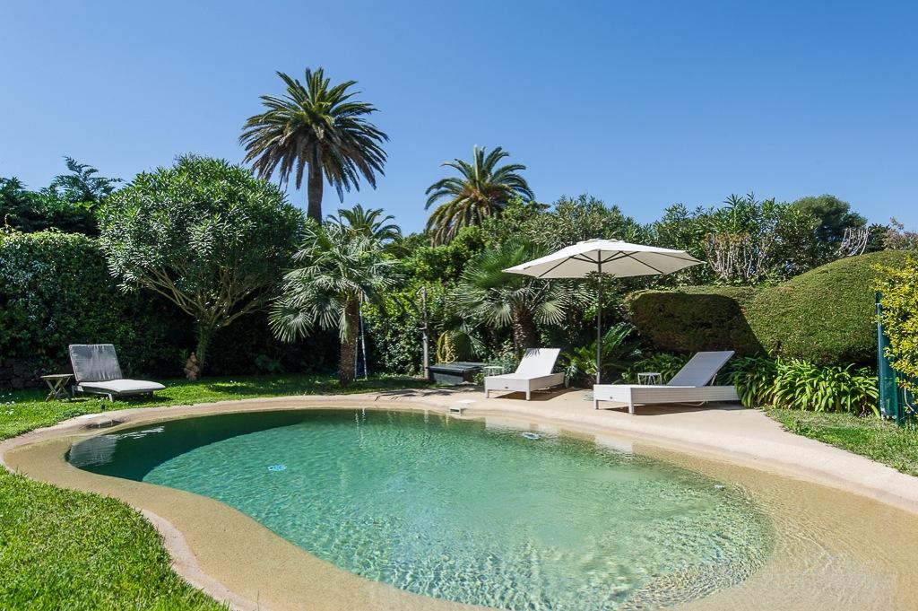 Shooting photos immobilier de villa / maison - vue sur la piscine