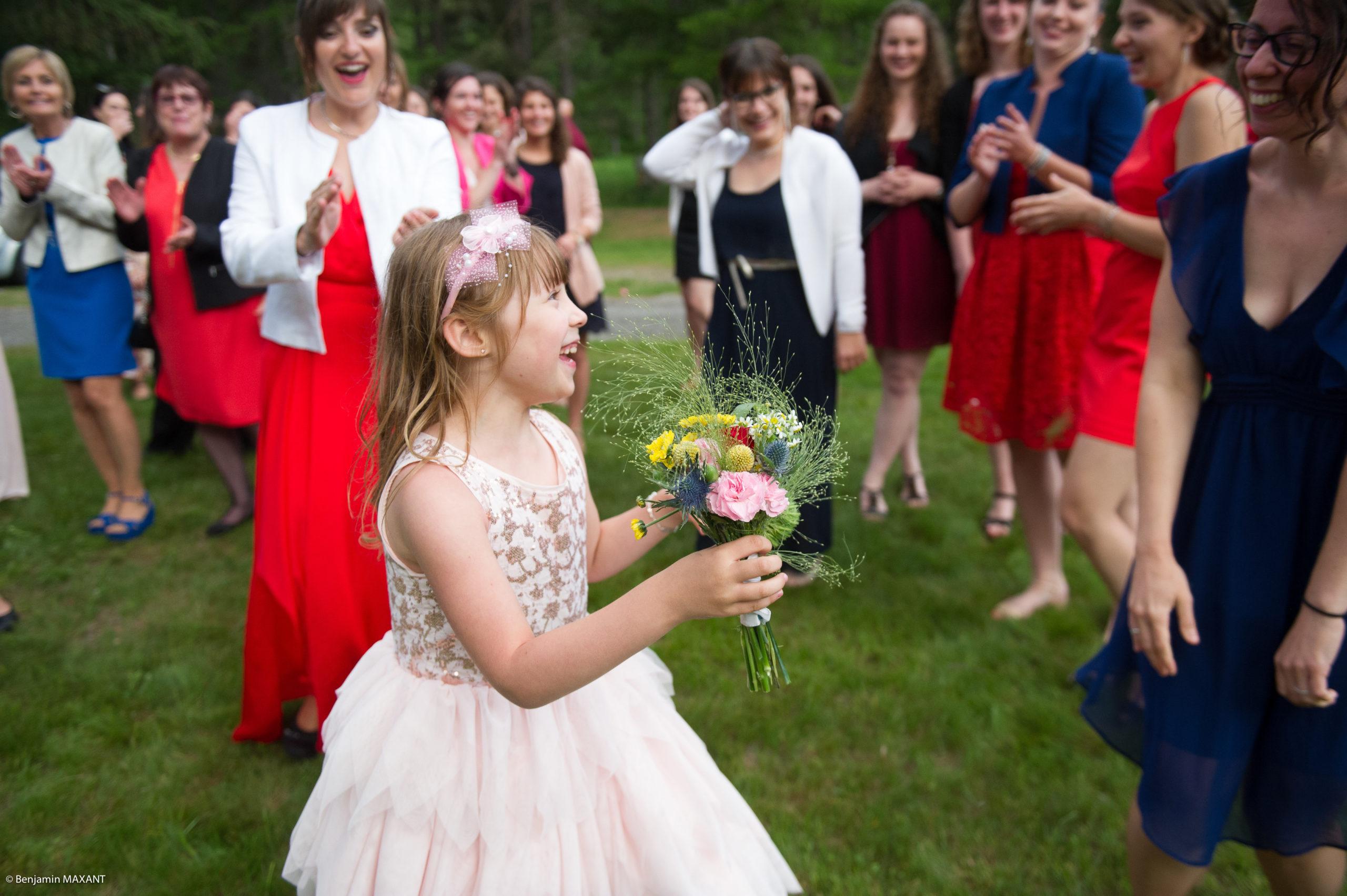 Le premier lancer de bouquet