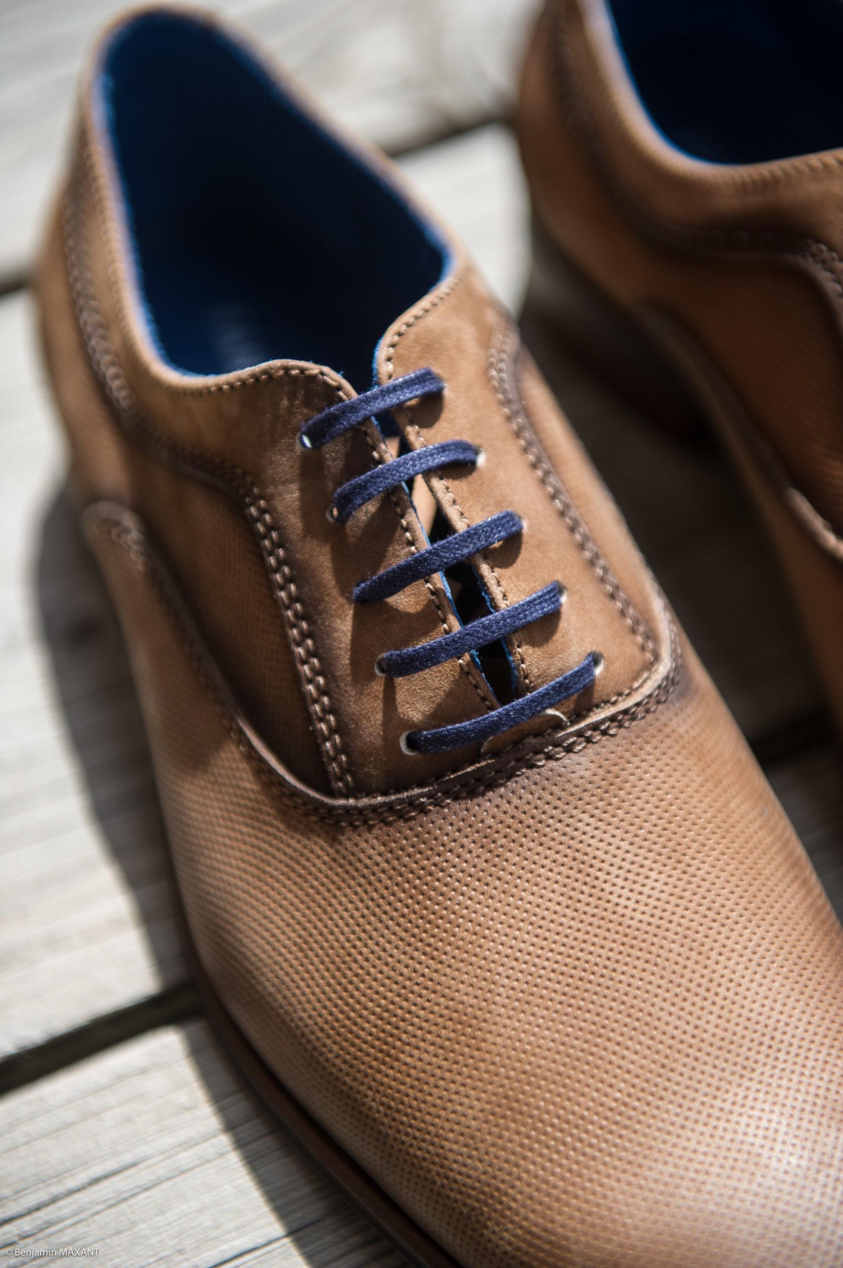 La péparation de Romain le marié - les chaussures
