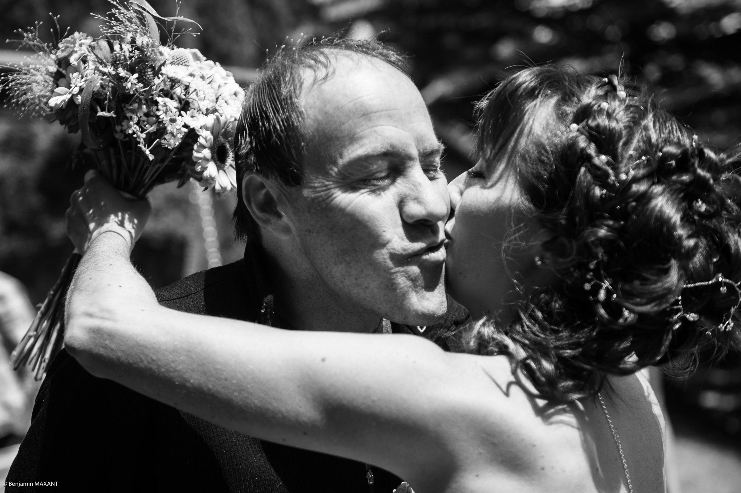 Le Papa découvre sa fille habillée en mariée