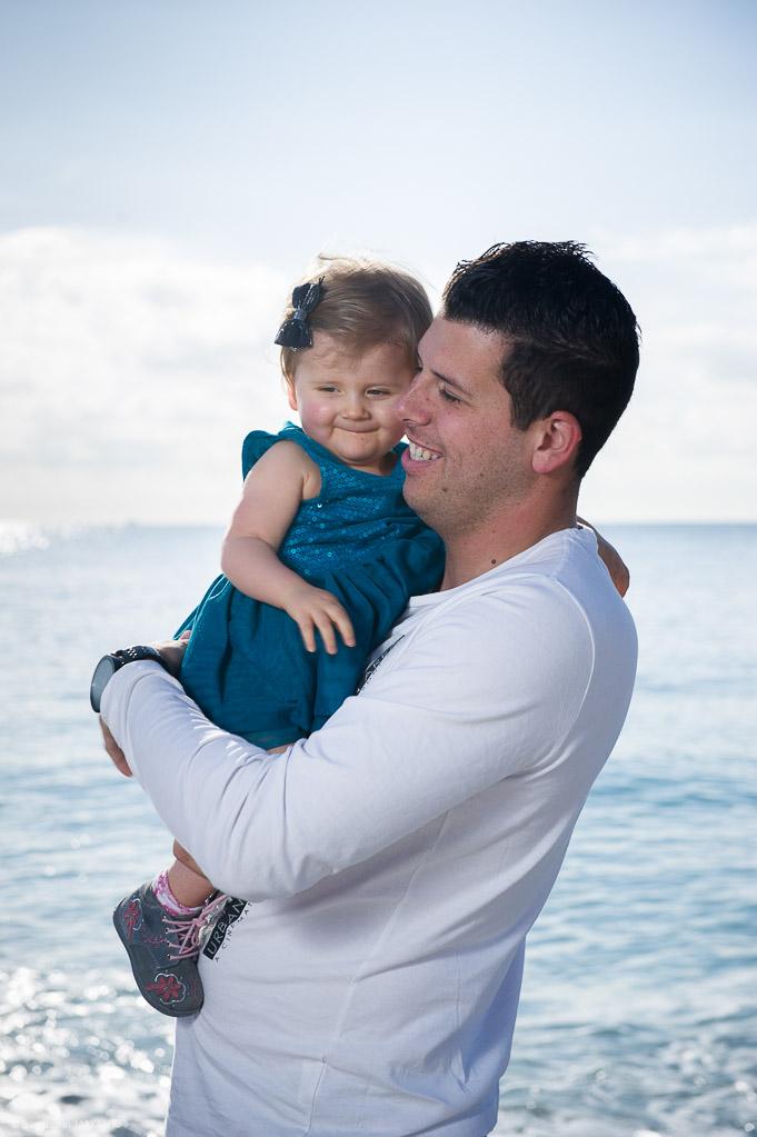 Séance photo famille à Nice sur la promenade des Anglais
