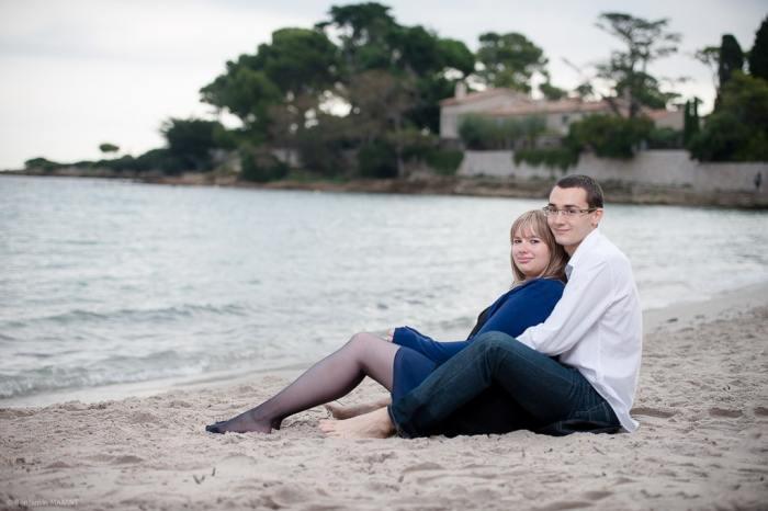 Séance photo couple engagement à Antibes