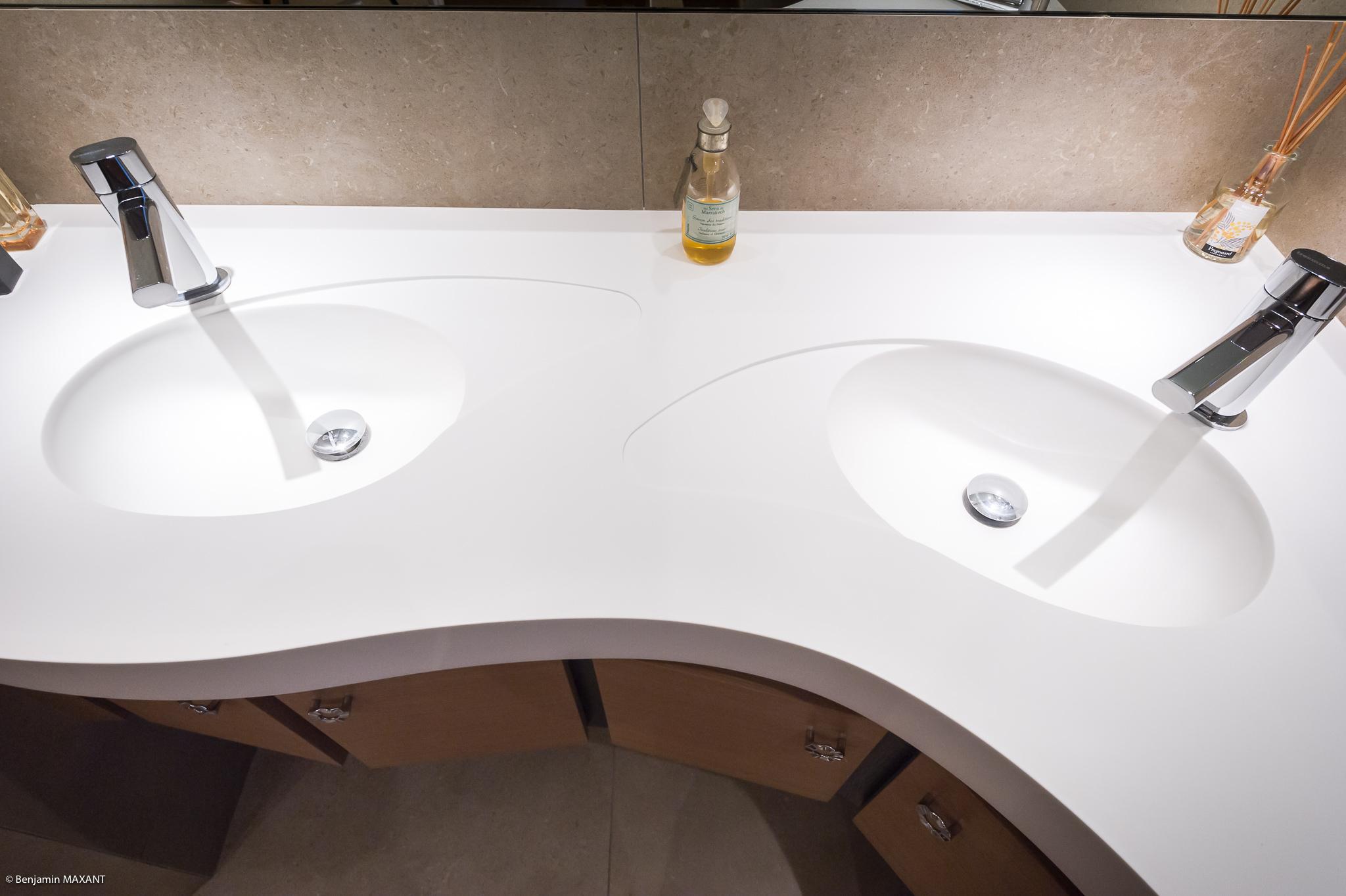 Shooting photo immobilier Côte d'Azur - lavabo sur mesure