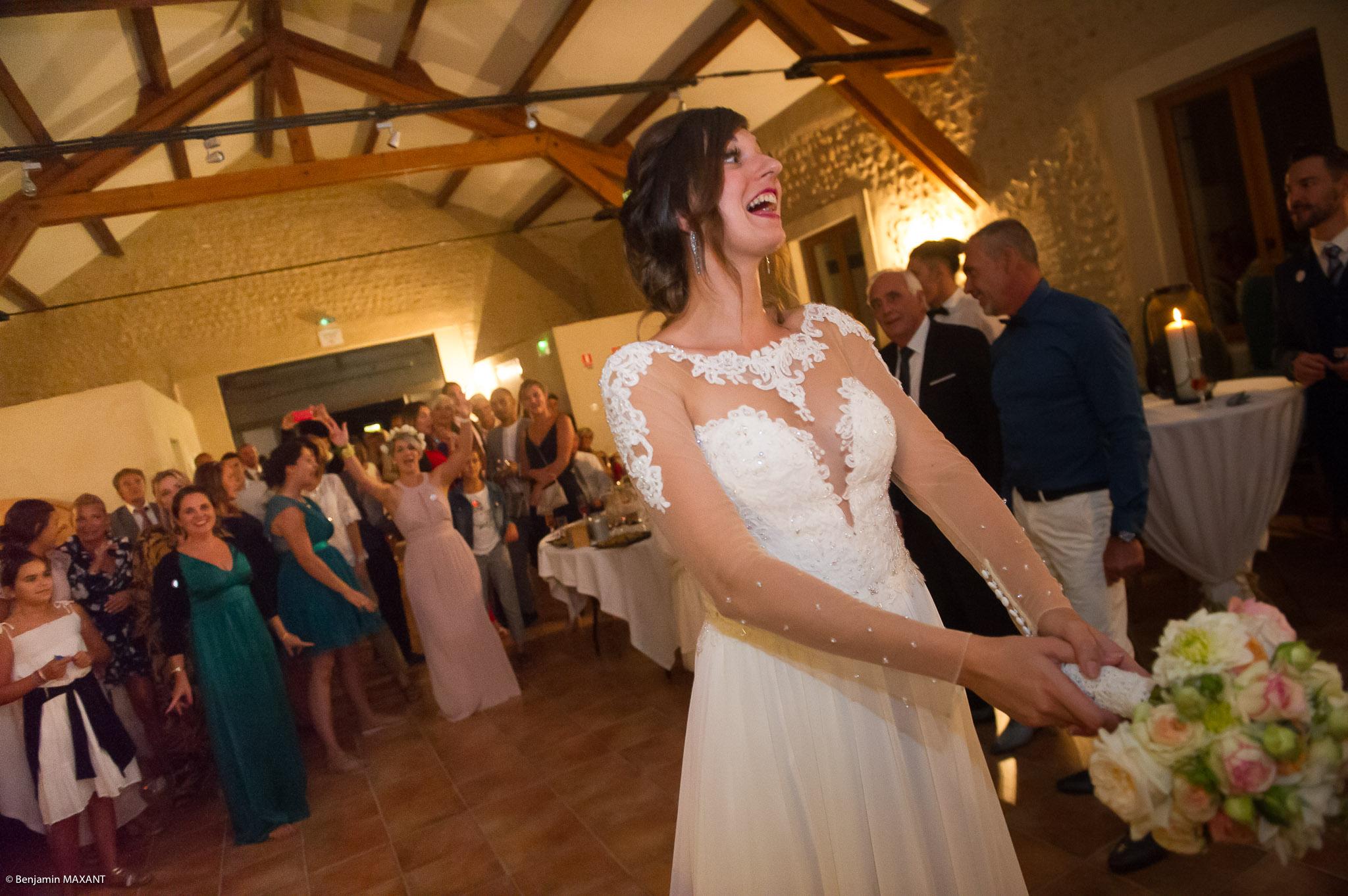 Le lancer du bouqet de la mariés