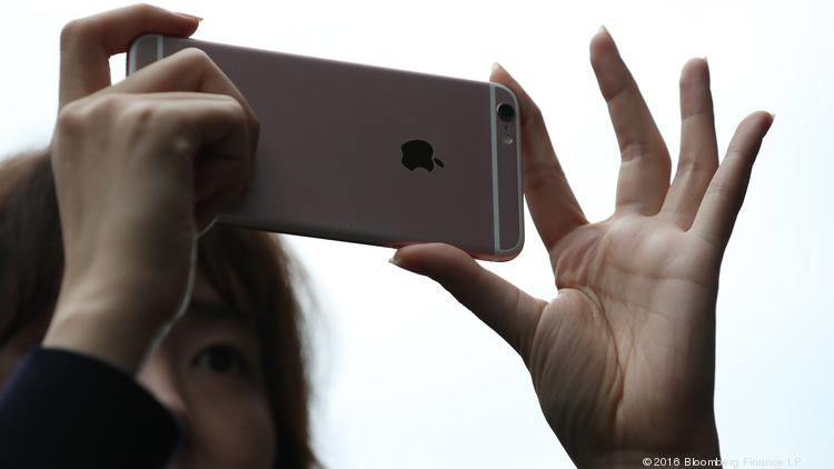 According to reports, Apple will introduce new iPhones with upgraded cameras next year.