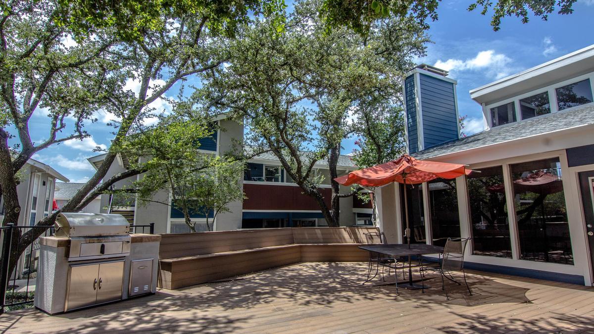 Dje Texas Management Group Buys 282 Unit Saddlewood