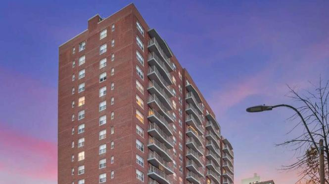 Equity Residential S Longwood Apartment Complex For 180
