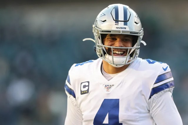 PHILADELPHIA, PENNSYLVANIA - DECEMBER 22: Dak Prescott #4 of the Dallas Cowboys warms up before the game against the Philadelphia Eagles at Lincoln Financial Field on December 22, 2019 in Philadelphia, Pennsylvania. (Photo by Patrick Smith/Getty Images)
