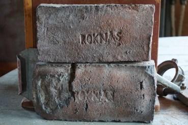 Det gäller att bekräfta att teglet i Roka kvarn kommer från Roknäs.