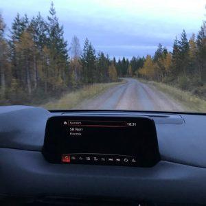 Dag 21 En lugn stund på dagen, lyssnar på Finnmix på väg till stugan. Nostalgiskt och Tornedalskt.