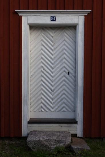 Dörr i Kyrkbyn - av Malin