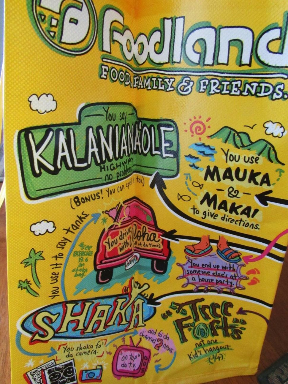 Hawaiian grocery store explains local culture on the side of its reusable bags