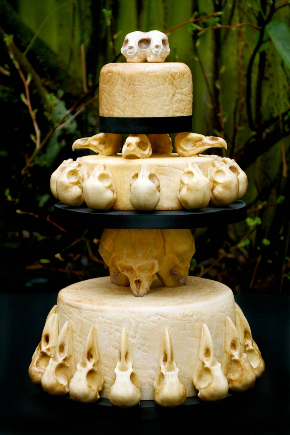 Baker Anna at Eat Your Heart Out Bakers made this astounding skull wedding-cake. Food artist Annabel de Vetten