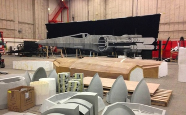 Millennium falcon star wars spoiler sneak peek behind the scenes photos 016 480w