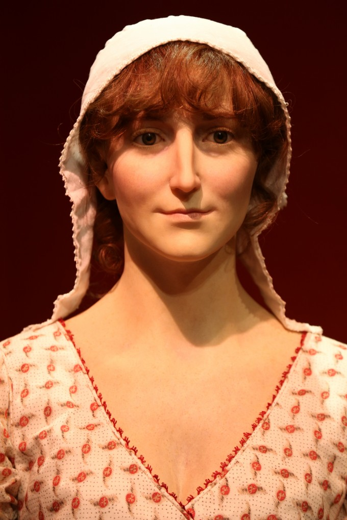 waxwork head and shoulders (high res)
