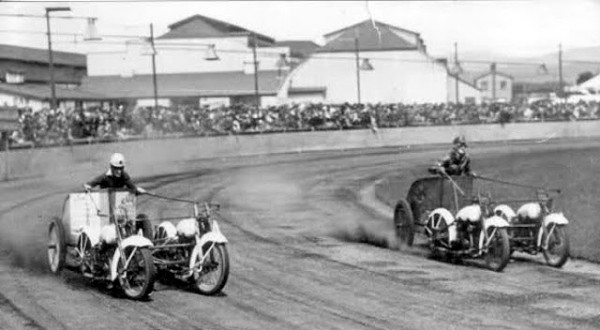 Motorcycle-Chariot-Racing-04-600x330